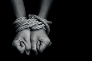 MEPs call for a gender- and victim-centred approach to human trafficking