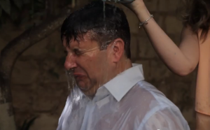 Updated | Tourism minister, shadow minister take on ice bucket challenge