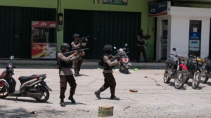 [WATCH] Indonesia: shots fired as desperation escalates