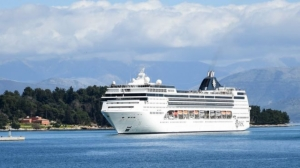 Coronavirus: Unions raise concerns but welcome government decision to stop cruise ship