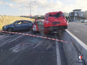Man seriously injured in three-car crash on Tal-Balal Road