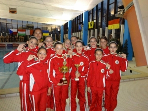 Maltese Synchronised Swimmers shine again