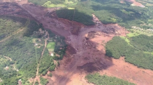 Hundreds missing after Brazilian dam collapse
