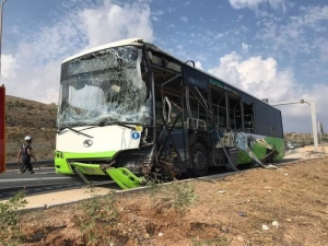 Three passengers slightly injured in Coast Road bus accident