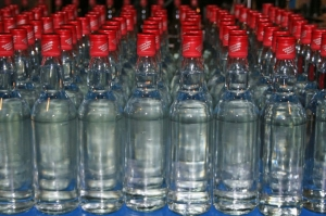 Customs officials seize almost 500 bottles of spirits