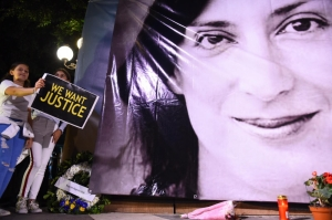 Journalists call for compromise on Caruana Galizia inquiry, Graffitti call out bipartisan deadlock