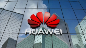 US charges China's Huawei, top executive with bank fraud