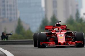 QUALIFYING: Vettel edges Raikkonen as Ferrari lock out front row