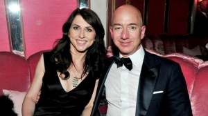 Jeff Bezos to retain control of Amazon after divorce