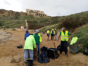Emergency works at Ghajn Tuffieha beach to clear plastic debris