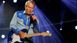 Country singer Glen Campbell dies at 81