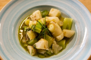 Warm Jerusalem artichoke and leek salad