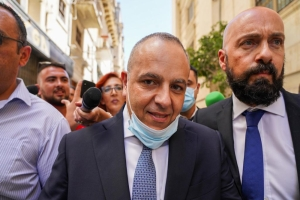 Criminal Court issues freezing order on Schembri, Tonna, families and business accounts
