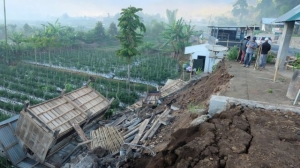 Lombok rocked by another strong earthquake