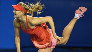 Maria Sharapova eases through in Melbourne