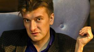 Russian investigative journalist dies after mysterious fall