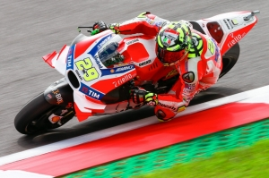 Andrea Iannone takes pole in stunning Spielberg shootout