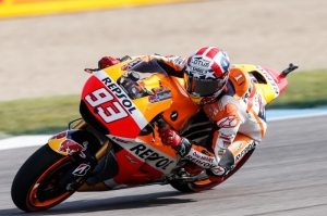Márquez sweeps to pole at Indianapolis