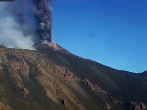 Mount Etna slowly sliding towards Mediterranean Sea