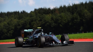 Nico Rosberg beats Max Verstappen to Spa pole