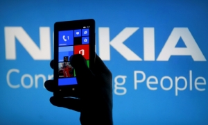 Nokia sells mobile telephony unit to Microsoft