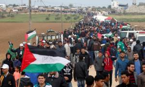 Thousands of Palestinians gather in protest at Gaza-Israel border
