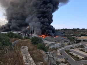 Toxic gas levels in air minimal following Sant'Antnin recycling plant fire