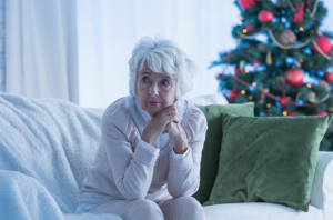 What to do to help elderly people who are lonely at Christmas