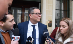 [WATCH] Updated | Adrian Delia refuses to answer questions on money laundering allegations
