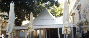 Illegal restaurant tents outside St John's Co-Cathedral removed