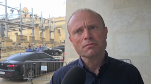 [WATCH] Joseph Muscat refuses to say who paid for his €21,000 flight to Dubai