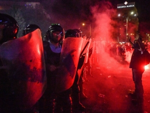 Over 400 injured in Bucharest during riot clashes with Police