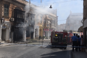 [WATCH] Updated | Fire engulfs Sliema pharmacy