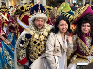 [WATCH] Valletta bustles with activity amid carnival's sights and sounds