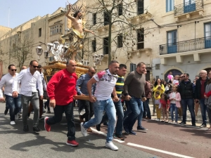 [WATCH] Easter celebrated with traditional statue runs