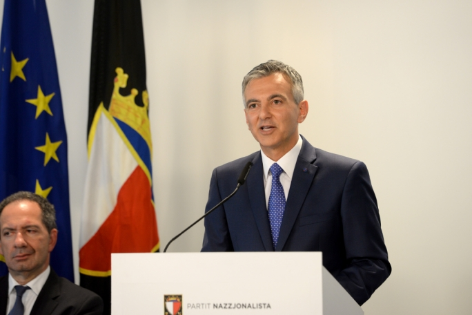 Simon Busuttil suffered the largest trust deficit among those aged 65 and over