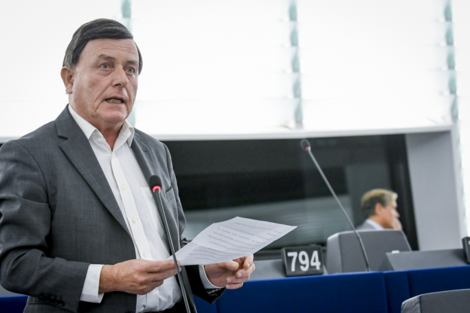 Sant votes against report on Europe-wide minimum tax rates