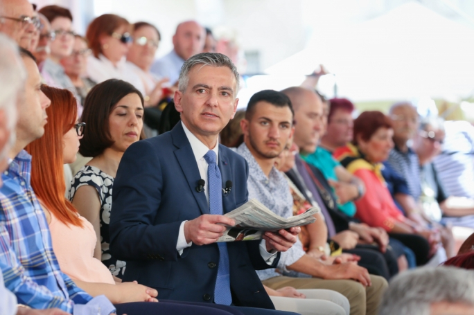 PN leader Simon Busuttil addresses a political rally