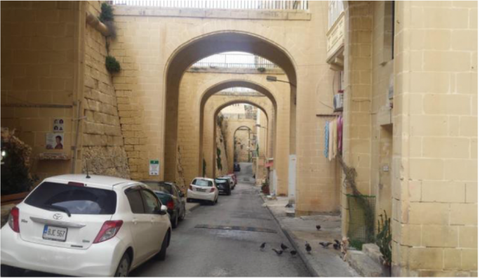 Valletta's bulky arches to be replaced by slender foot bridges