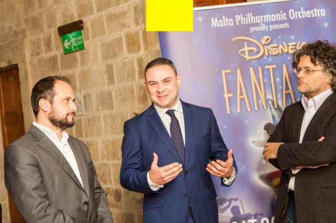 Brian Schembri (right) and Sigmund Mifsud (left) with minister responsible for culture Owen Bonnici