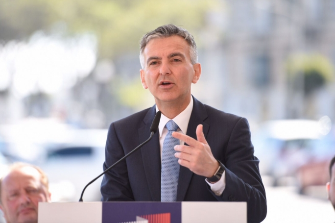 [WATCH] PN unveils metro plan: first train in five years
