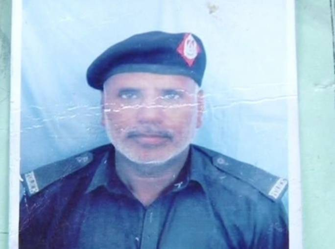 Police constable Bahar Khan reported to have sacrificed his life and saved many lives (Photo: Geo News)