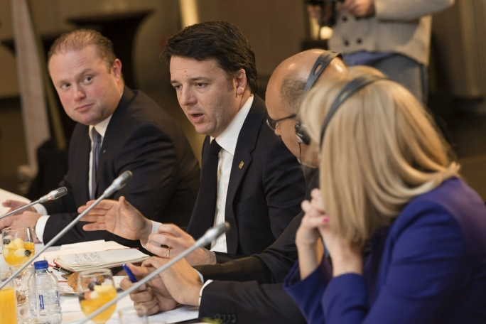 Prime Minister Joseph Muscat with Italian Premier Matteo Renzi during a PES meeting in Madrid (Photo: PES/Flickr)