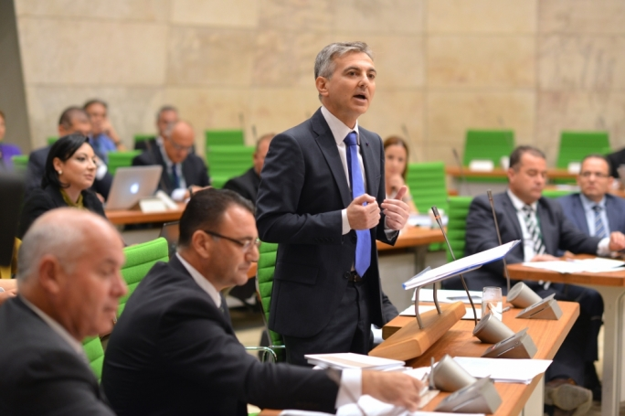 Busuttil calls for train connecting Malta and Gozo