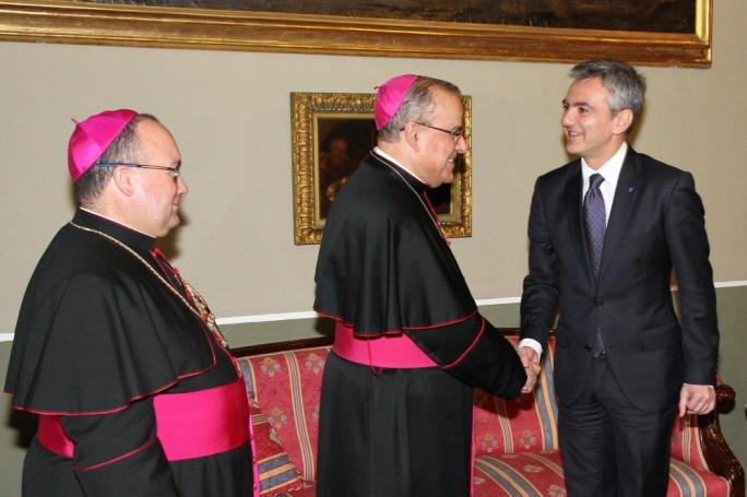 Does the Maltese Catholic Church have a leadership crisis? File photo: Archbishop Paul Cremona shakes hands with Opposition leader Simon Busuttil