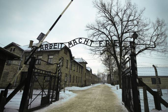 Parliament remembers the Holocaust, 75 years since liberation of Auschwitz