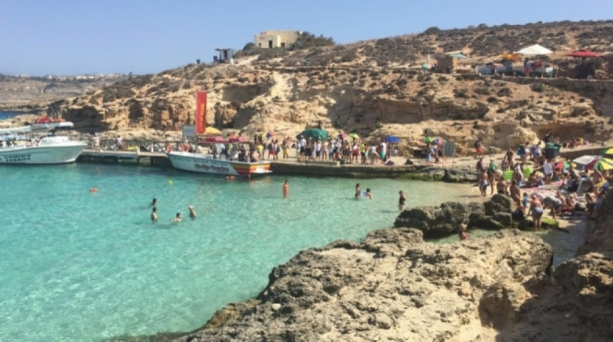 Man dies while swimming at Comino