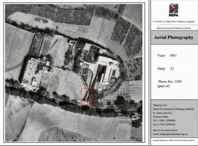 The 1967 aerial photo of the site in question provided by Toni Bezzina purports to show a room in the area marked in red; the Labour Party is insisting that the area is a wall
