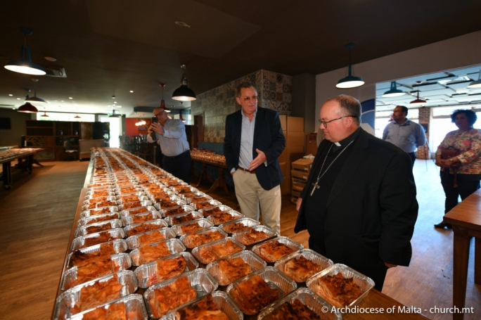 [WATCH] At 61, Archbishop makes birthday donation to Solidarity Meals charity