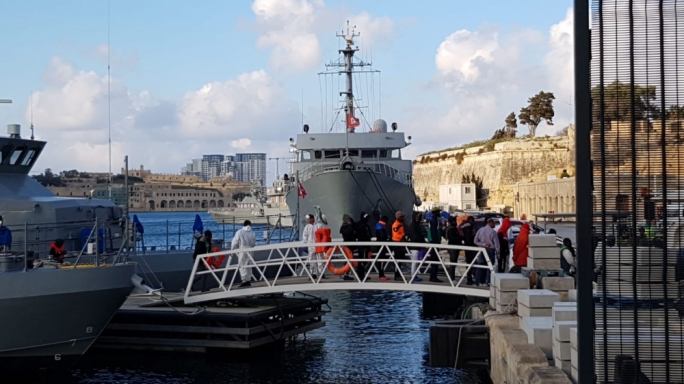 After 11 days at sea, rescued migrants disembark in Malta
